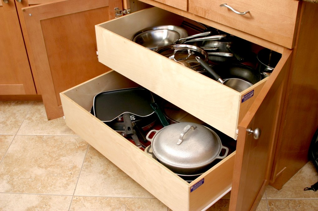 Pull out shelves kitchen pantry cabinets bravo resurfacing for Kitchen drawers and cupboards